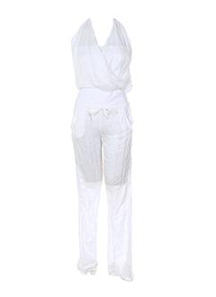tensione et in combinaisons et 1 femme de couleur blanc (photo)