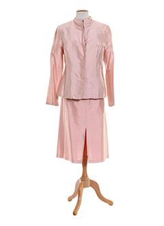 blus et blus jupe et veste femme de couleur rose (photo)