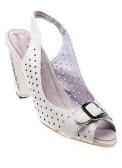 couleur et pourpre sandales et nu et pieds femme de couleur gris