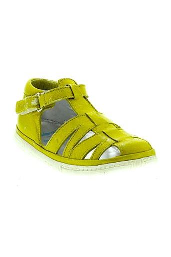 pom et d et api sandales et nu et pieds garcon de couleur jaune