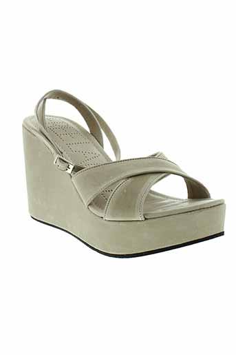 free et lance sandales et nu et pieds femme de couleur beige