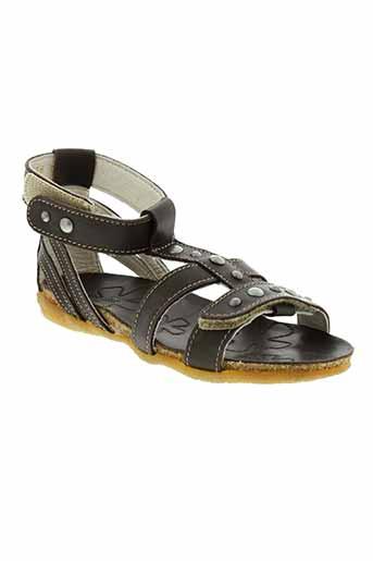 noel sandales et nu et pieds fille de couleur marron