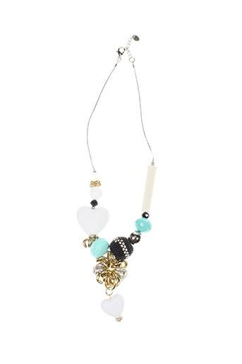 allan et s colliers femme de couleur blanc (photo)
