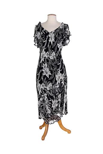 20 et 20 robes et longues femme de couleur noir (photo)