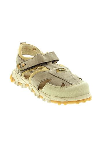 mod et 8 sandales et nu et pieds garcon de couleur beige