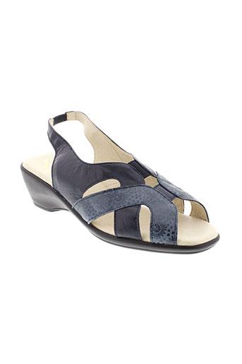 pedi et girl sandales et nu et pieds femme de couleur bleu