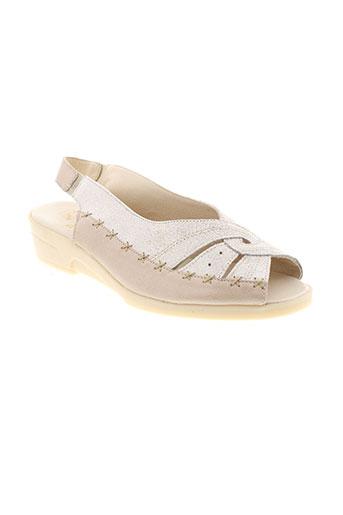 pedi et girl sandales et nu et pieds femme de couleur beige