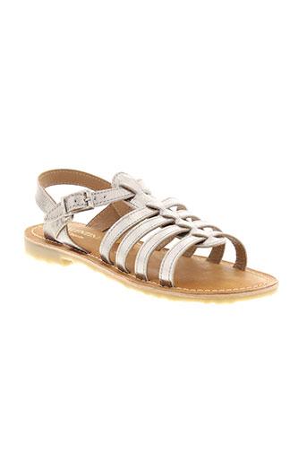 valentine et la et coquine sandales et nu et pieds fille de couleur gris